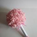 Menyasszonyi csokor, vattacukor, Esküvő, Esküvői csokor, Rózsaszín habrózsából készítettem gömbcsokrot, fehér gyönggyel, rózsaszín strasszokkal díszítettem. ..., Meska
