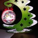 Gömb tartó fenyőfa, Dekoráció, Ünnepi dekoráció, Karácsonyi, adventi apróságok, Karácsonyi dekoráció, Decoupage, transzfer és szalvétatechnika, A fa fenyőfa alap akrill fetéssel készül. A hungarocell gömb decoupage tecnikával. Méretek: Fenyő :..., Meska