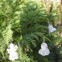 Karácsonyfadísz -  kézzel horgolt angyalka  , Dekoráció, Karácsonyi, adventi apróságok, Ünnepi dekoráció, Karácsonyfadísz, Horgolás, Közeleg a karácsony, és egyre divatosabbak a kézzel készült karácsonyi dekorációk. Nálunk a karácso..., Meska