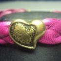 Heart !Bőr karkötő, Ékszer, óra, Karkötő,   14 mm széles fonott bőr karkötőt készítettem bronz díszítéssel. A Közepére egy szívet raktam. Vale..., Meska
