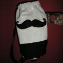 Egyedi hipster bajuszos hátizsák (bármilyen színben), Táska, Hátizsák, Válltáska, oldaltáska, Uniszex, henger alakú hátizsák  Magassága kb. 40 cm Pánt hossza állítható,de max. 130 cm Bélelt, bát..., Meska