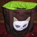 Grumpy táska - Egyedi cicás táska, Táska, Válltáska, oldaltáska, Cicaimádóknak! Grumpy cica mentolos csoki színben A táska mérete 34x38 cm,bősége 6 cm oldalt,oldalai..., Meska