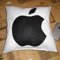 Apple párna, Otthon, lakberendezés, Lakástextil, Párna, 35x35 cm méretű párna Utalás beérkezte után két napon belül postázok, Meska