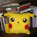 Pokémon / Pikachu párna, Otthon, lakberendezés, Lakástextil, Párna, 35x35 cm méretű Pikachu Utalás beérkezte után két napon belül postázok Utánvéttel nem post..., Meska