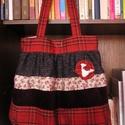 Egyedi shabby táska, Táska, Válltáska, oldaltáska, Egyedi női táska romantikus stílusban Magassága 40 cm,szélessége 34-60 cm Pántok hossza 72 cm,bősége..., Meska