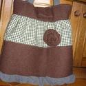 Romantikus gyapjú táska, Táska, Egyedi női táska gyapjúszövetből Magassága 40 cm,szélessége 34-40 cm Egy belső zsebe van Pántok hoss..., Meska