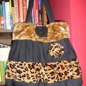 Egyedi párducmintás táska, Táska, Válltáska, oldaltáska, Egyedi női táska  Magassága 40 cm, szélessége 34-50 cm Pántok hossza 68 cm, egy belső zsebe van Kész..., Meska
