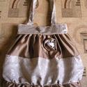 Shabby chic táska, Táska, Válltáska, oldaltáska, Egyedi női táska romantikus stílusban Magassága 44 cm, szélessége 34-60 cm Pántok hossza 64 cm, bősé..., Meska
