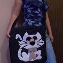 Egyedi cicás gyapjútáska, Táska, Válltáska, oldaltáska, Egyedi női táska cicásoknak Magassága 36 cm, szélessége 32 cm, plusz a bősége körbe 7 cm Tetején cip..., Meska