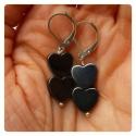 Hematite Hearts, Ékszer, óra, Fülbevaló, Ékszerkészítés, Gyöngyfűzés,  Lapos hematit ásvány szívekből készítettem ezt a mutatós fülbevalót.   A szívecskék 10 mm méretűek..., Meska