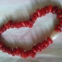 Tűzpiros- gyönyörű piros korall karkötő gyönggyel , Gyönyörű élénk piros korall karkötő fehér ...