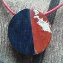 Egyesülés - kék ,vörös nagy  medál, Természetes ásványból , dumortierit és jáspi...
