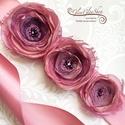Rozina - egyedi alkalmi, menyasszonyi öv, Esküvő, Hajdísz, ruhadísz, Aprólékos munkával, kézzel készült, vintage ihletésű egyedi menyasszonyi öv.  A virágok átmérője kb...., Meska