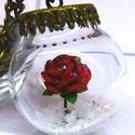 Rózsa hóban gyémántokkal
