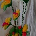 papagáj virág harisnyából, Otthon & Lakás, Lakberendezés, Újrahasznosított alapanyagból készült termékek, Papagáj virág újságból fonott kaspóban amit amit különös gonddal  készítettem gazdája részére. 3 ho..., Meska
