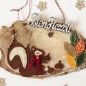 Mókusos őszi ajtódísz, Dekoráció, Otthon, lakberendezés, Ajtódísz, kopogtató, Hímzés, Édes gyapjúfilcből készült mókus levelekkel, hímzéssel,masnival díszítve szeletelt fára rögzítve Is..., Meska