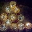 Karácsonyi arany fényfüzér, Baba-mama-gyerek, Otthon, lakberendezés, Dekoráció, Karácsonyi, adventi apróságok, Ünnepi dekoráció, Mindenmás, Egyedi, kézzel készített gömb fényfüzér!  Garantáltan otthonossá teszi a szobád! 12 egyedi gömb szű..., Meska