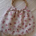 Rózsás-bordó bambuszfüles táska., Táska, Szatyor, Varrás, Rózsás bútorvászonból és bordó pöttyös pamutvászonból készült kifordíthatós bambuszfüles táska.Pött..., Meska