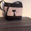 Rózsaszín ,fekete cicás kis táska, Táska, Válltáska, oldaltáska, 22cm*19cm kiváló minőségű textilbőrökből készült kis méretű táska cica motívummal.Lila pamutvászonna..., Meska