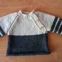 Kisfiú pulóver, Baba-mama-gyerek, Ruha, divat, cipő, Gyerekruha, Baba (0-1év), Kötés, Kézzel kötött pulóver. 62-s méretben, világos és sötétszürke babafonalból készítem.Elején praktikus..., Meska