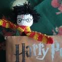 Harry Potter - horgolt könyvjelző, Gyerek & játék, Játék, Játékfigura, Horgolt könyvjelző Harry Potter  figurája alapján. 100% pamut fonalból készítettem.  Mérete: 25 cm, ..., Meska