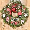 Tujás kopogtató, Dekoráció, Ünnepi dekoráció, Karácsonyi, adventi apróságok, Karácsonyi dekoráció, Tujából készűlt kopogtató, cukorkák, figurák, gömbök díszítésével :) , Meska