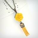 Sárga rózsa nyaklánc, Ékszer, Nyaklánc, Vidám nyaklánc sárga rózsával és sárga bőr bojttal, garantáltan jókedvre derít és feldobja akár a hé..., Meska