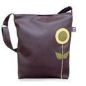 Virágos táska, Táska, Válltáska, oldaltáska, *** AKCIÓ! Eredeti ára 7500 Ft ***  Stilizált, minimál virág került erre a táskára.  Mérete: 30x38x6..., Meska