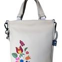 Kalocsai mintás táska, Táska, Válltáska, oldaltáska, Egy gyönyörű kalocsai hímzésminta részlete került erre a táskára.  Mérete: 30x38x6 cm (a4 belefér) B..., Meska