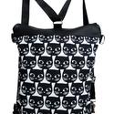 Fekete svéd cicafejes hátizsák és oldaltáska egyben, Táska, Válltáska, oldaltáska, Hátizsák, Fekete textilbőr kombináltam egy fekete apró cicafejekkel nyomott designer  textillel. A táskát a pá..., Meska
