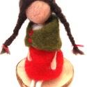 Anna, Dekoráció, Magyar motívumokkal, Anna egy hagyományőrző gyapjúlélek. Piros bő szoknyát visel. Kendője zöld, amin egy tulipán találhat..., Meska