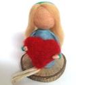 Nefelejcs, Dekoráció, Tűnemezeléssel készült gyapjúlélek. Nefelejcs segít neked, hogy kifejezd érzéseidet anyák napján.  N..., Meska