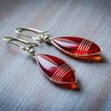 Piros mandula ezüstözött fülbevaló, Ékszer, Fülbevaló,  Kézzel készült,  fülbevaló. Anyaga: - mandula formájú áttetsző gyöngy                 - e..., Meska