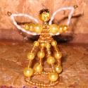 Angyalka, Dekoráció, Dísz, Karácsonyi, adventi apróságok, Karácsonyi dekoráció, Karácsonyfára akasztható dísz. 8 cm magas. 4 mm-es arany cseh kásagyöngyökből, sárga külö..., Meska