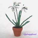 Hóvirág cserépben gyöngyből, Dekoráció, Otthon & lakás, Dísz, Lakberendezés, Gyöngyfűzés, gyöngyhímzés, Ezt a kis virágot most 3,5 cm-es cserépbe fehér és zöld  2 mm-es cseh kásagyöngyből készítettem. A v..., Meska