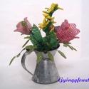Tulipán aranyesővell cink kannában gyöngyből, asztaldísz, Dekoráció, Otthon, lakberendezés, Dísz, Kaspó, virágtartó, váza, korsó, cserép, Gyöngyfűzés, Virágkötés, A díszt egy 6 cm magas és 4 cm átmérőjű cink kiöntőbe készítettem, teljes magassága (virág + cink e..., Meska