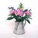 Rózsaszín rózsa  cink kiöntóben  gyöngyből, asztali dísz, Otthon, lakberendezés, Dekoráció, Kaspó, virágtartó, váza, korsó, cserép, Ünnepi dekoráció, A díszt 6 cm magas és 5 cm átmérőjű cink kiöntőbe készítettem. A dísz teljes magassága (..., Meska