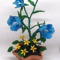 Harangvirág mezei virággal gyöngyből csillag alakú cserépben, lakásdekoráció, Otthon, lakberendezés, Dekoráció, Kaspó, virágtartó, váza, korsó, cserép, Dísz, Gyöngyfűzés, 10 cm átmérőjű csillag alakú cserépbe készítettem ezt az asztali díszt. A cserépbe most egy harangv..., Meska