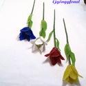 Tulipán gyöngyből szálas virág, Dekoráció, Dísz, A tulipánok hossza szárával együtt  kb.26,6 cm. A virág feje 4,5-5 cm közt van. A tulipánokat..., Meska