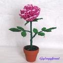 Rózsaszín rózsa gyöngyből. cserepes dísz, Dekoráció, Otthon, lakberendezés, Kaspó, virágtartó, váza, korsó, cserép, Kerti dísz, Egy szál virágot fűztem 2 mm-es cseh erős rózsaszín kásagyöngyből, amit 3,5 cm-es cserépbe..., Meska