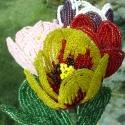 Tulipánt és gyöngyből, Kásagyöngy alkalmazásával készült tavaszi vi...