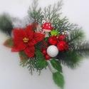 Karácsonyi asztaldísz, Dekoráció, Ünnepi dekoráció, Karácsonyi, adventi apróságok, Karácsonyi dekoráció, Fehér csónak kerámia az alap. Oázisban ragasztóval van rögzítve ,minden elem. Fő elem a miku..., Meska