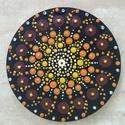 Mandala hűtőmágnes Napsugár, Konyhafelszerelés, Hűtőmágnes, Egyedi, kézzel festett mandala hűtőmágnes, narancssárga színvilágban. Fa lézervágott korongra készül..., Meska