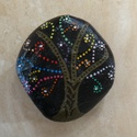 Mandala életfa kézzel festett, Otthon, lakberendezés, Asztaldísz, Egyedi, kézzel festett mandala kő életfa motívummal, ezüst színű kövekkel díszítve. Hófeh..., Meska
