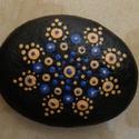 Mandala kézzel festett kő, Otthon, lakberendezés, Asztaldísz, Egyedi, kézzel festett mandala kis méretű kő, fekete akril festék felhasználásával, selyemfényű lakk..., Meska