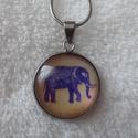 Elefánt medálos nemesacél nyaklánc, Ékszer, Nyaklánc, Medál, Elefánt motívumos medál, nemesacél szerkezettel. A medál átmérője 2cm, a nyaklánc teljes ho..., Meska