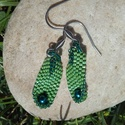 Fűzöld bölcső gyöngy fülbevaló, Ékszer, Fülbevaló, Zöld Miyuki delica gyöngyből készítettem ezt a különleges fülbevalót. Először egy hosszabb szalagot ..., Meska