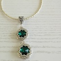 Emerald nyaklánc, Ékszer, Medál, Nyaklánc, A nyaklánc emerald színű swarovski kristályból és japán gyöngyökből fűztem damilra,amihez..., Meska