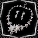 Esküvői, alkalmi ékszer szett,  ES-SZ23, Az ékszer szett  kristály köves ródiumozott el...