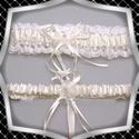 Esküvői, menyasszonyi harisnyakötő szett  ES-HK25-1F, ES-HK25-1F  A szett két darabból áll,  fehér s...